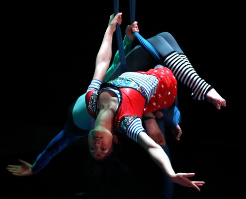 This Chinese acrobat duo has travelled the world performing an enthralling program of energetic acrobatics, balancing, magic tricks and ribbon dancing.