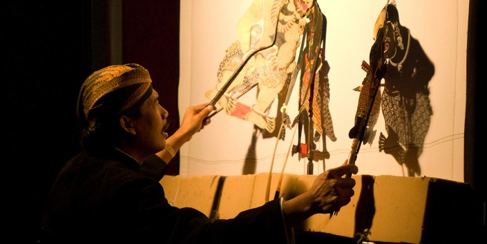 Sumardi gives the audience a wonderful insight into the myths and legends of Indonesian history and culture via Gamelan music and unique shadow puppetry.