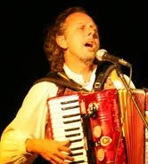 This exotic musician can serenade guests with traditional gypsy music and jazz with all the best multicultural flavours.
