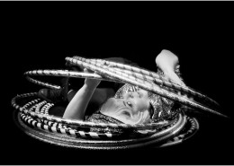 Let one of our lovely ladies amaze the crowd with her dexterity and mesmerising use of hula hoops.