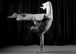 This is a Traditional Brazilian martial art that brings you the hottest combat-influenced dance moves for fitness, agility and self-confidence.